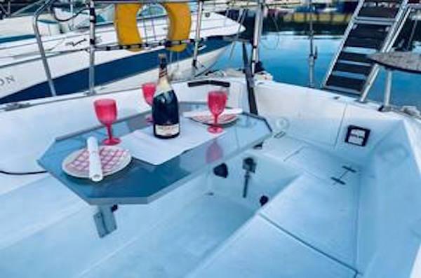 Яхта под наем Блосом